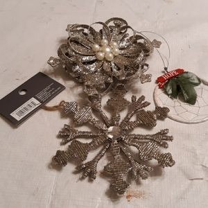 Ornament bundle.